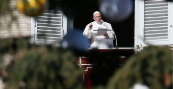Magi's journey reflects people's longing for God, pope says on Epiphany