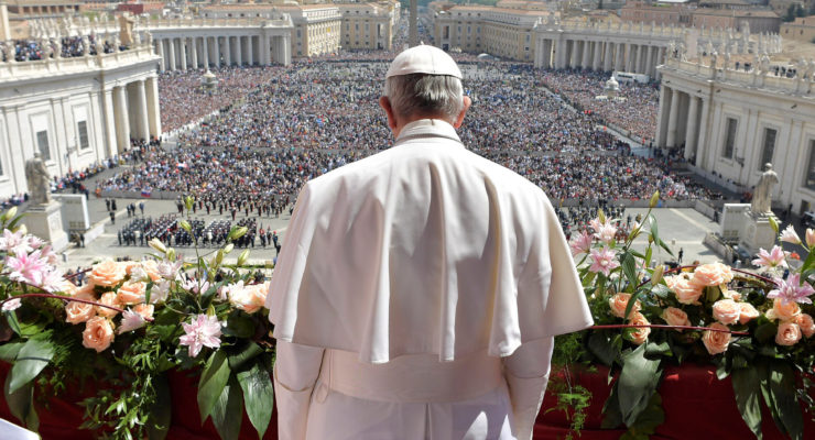Pope Francis: Risen Christ calls all to follow him on path to life