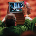Put your smartphones down, pope says